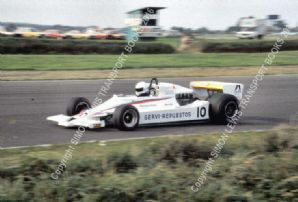 Lotus 78 Londono Bridge at speed Silverstone Aurora British F1 finale 1980 (a)